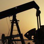 """下載自美聯社 FILE -- In this Sept. 30, 2015, file photo, oil pumps work in the desert oil fields of Sakhir, Bahrain. The organization that represents major oil-consuming nations said Friday, March 11, 2016 that signs of a market that has """"bottomed out"""" are emerging. U.S. crude prices jumped to a high for the year.  Brent crude, used as a global benchmark, hit a high for the year Tuesday and rose 1 percent Friday. (AP Photo/Hasan Jamali, File)"""