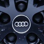 下載自路透 An Audi logo is pictured on the hub a of car during the second media day of the 86th International Motor Show in Geneva, Switzerland, March 2, 2016. REUTERS/Denis Balibouse  - RTS8XFR