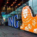 圖片來源:《達志影像》 圖片取自路透社 A man walks past the logo of ING Group NV at a branch office in Amsterdam, Netherlands January 9, 2014.  REUTERS/Toussaint Kluiters/File photo  - RTSQ611