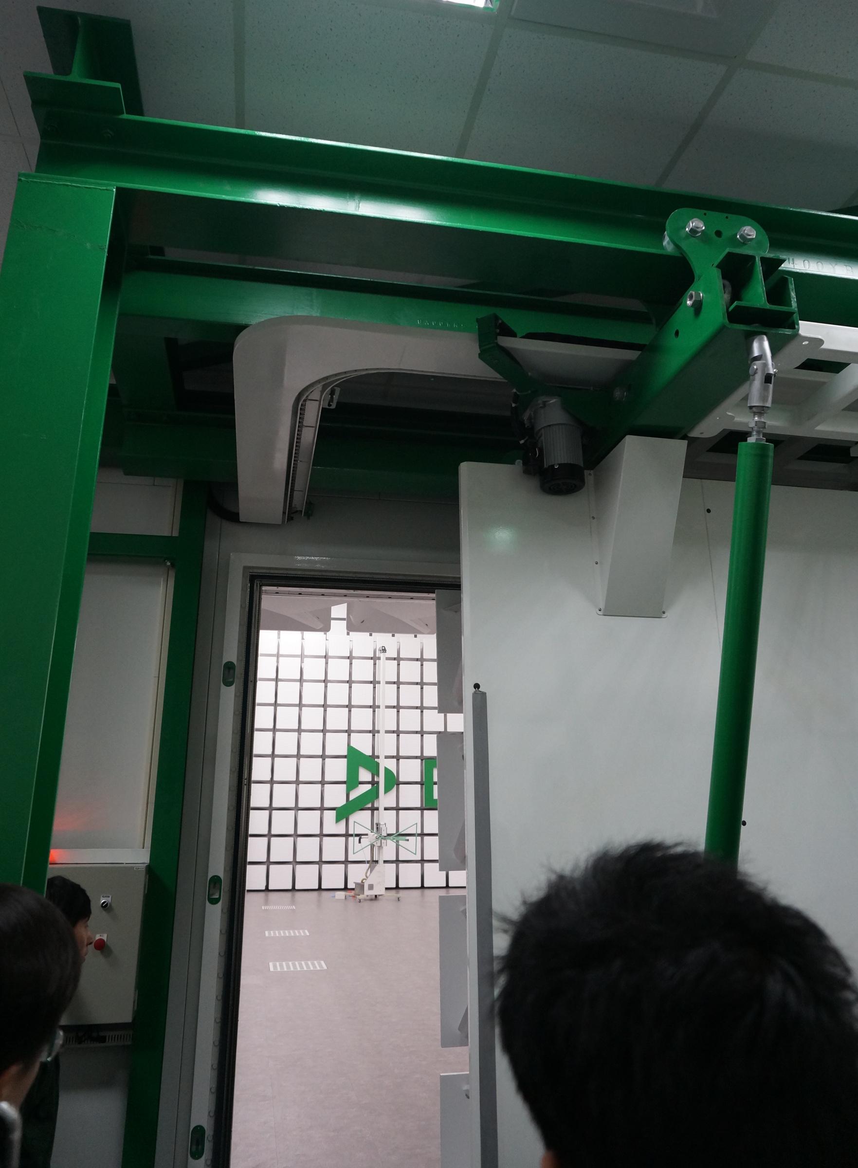 DEKRA-2017-IoV-10m-chamber-door