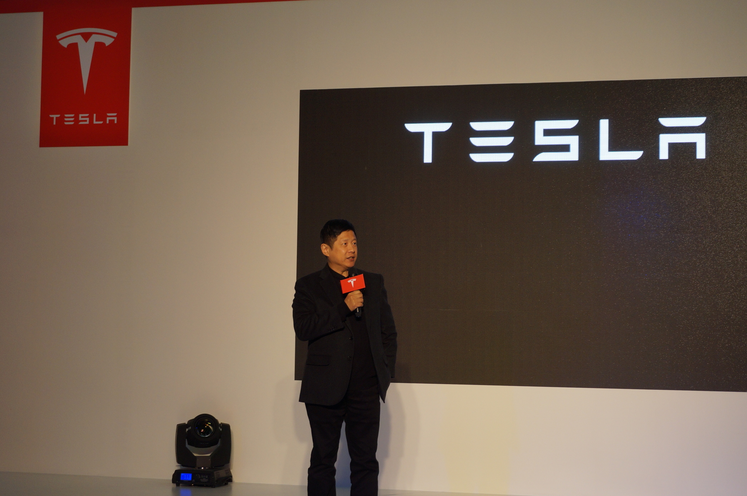 Tesla-Taiwan-taipei-economic-development-commissioner