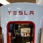 自駕車戰場白熱化!Tesla 申請在內華達路測自駕卡車,而 Uber、Lift 也有測試計畫