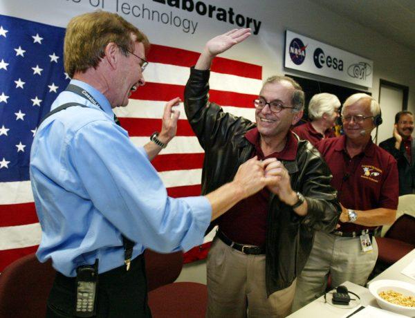 墜入土星大氣層焚毀,NASA:卡西尼號不是自殺