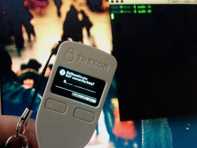 靠破解Trezor救回自己的比特币,学者用黑客招数取回密码
