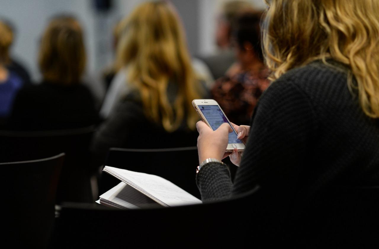 有人偷看你的手機螢幕?Google 幫你想好解決辦法