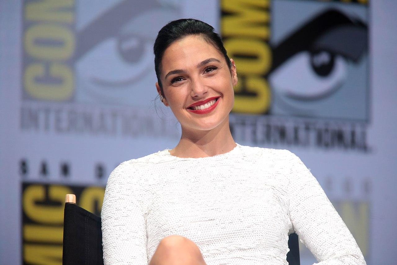 用 AI 拍色情片?神力女超人蓋兒·加朵的臉被移植到 AV 女優身上