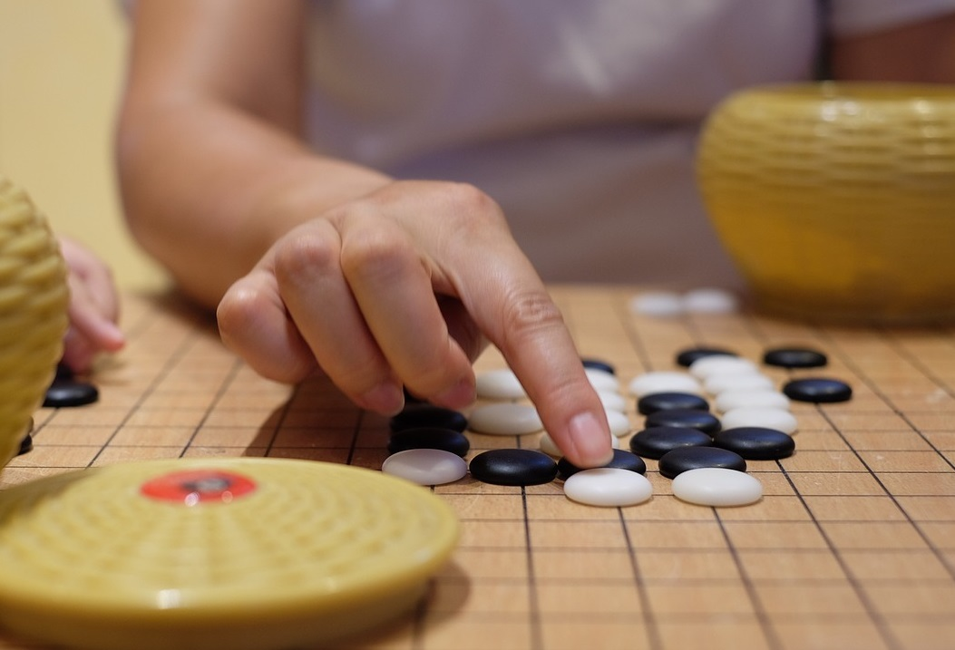 DeepMind 推出 AlphaGo 圍棋教學工具,圍棋學習新紀元來了?