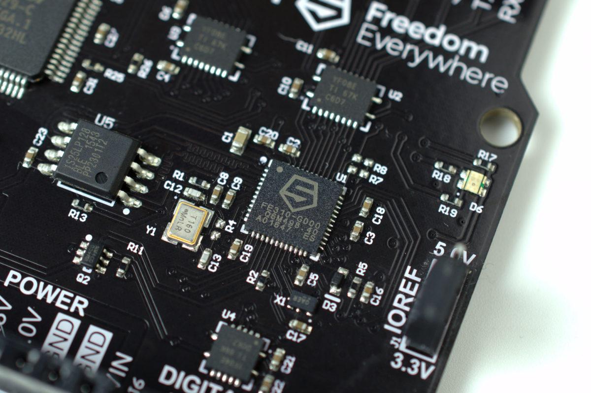 不想被晶片巨頭束縛,特斯拉、Google 等八十餘家企業合力設計晶片架構