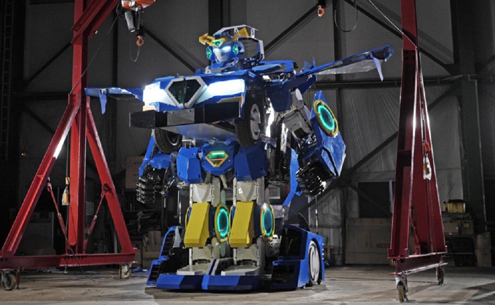 變形金剛是真的,日本跑車瞬間變身機器人