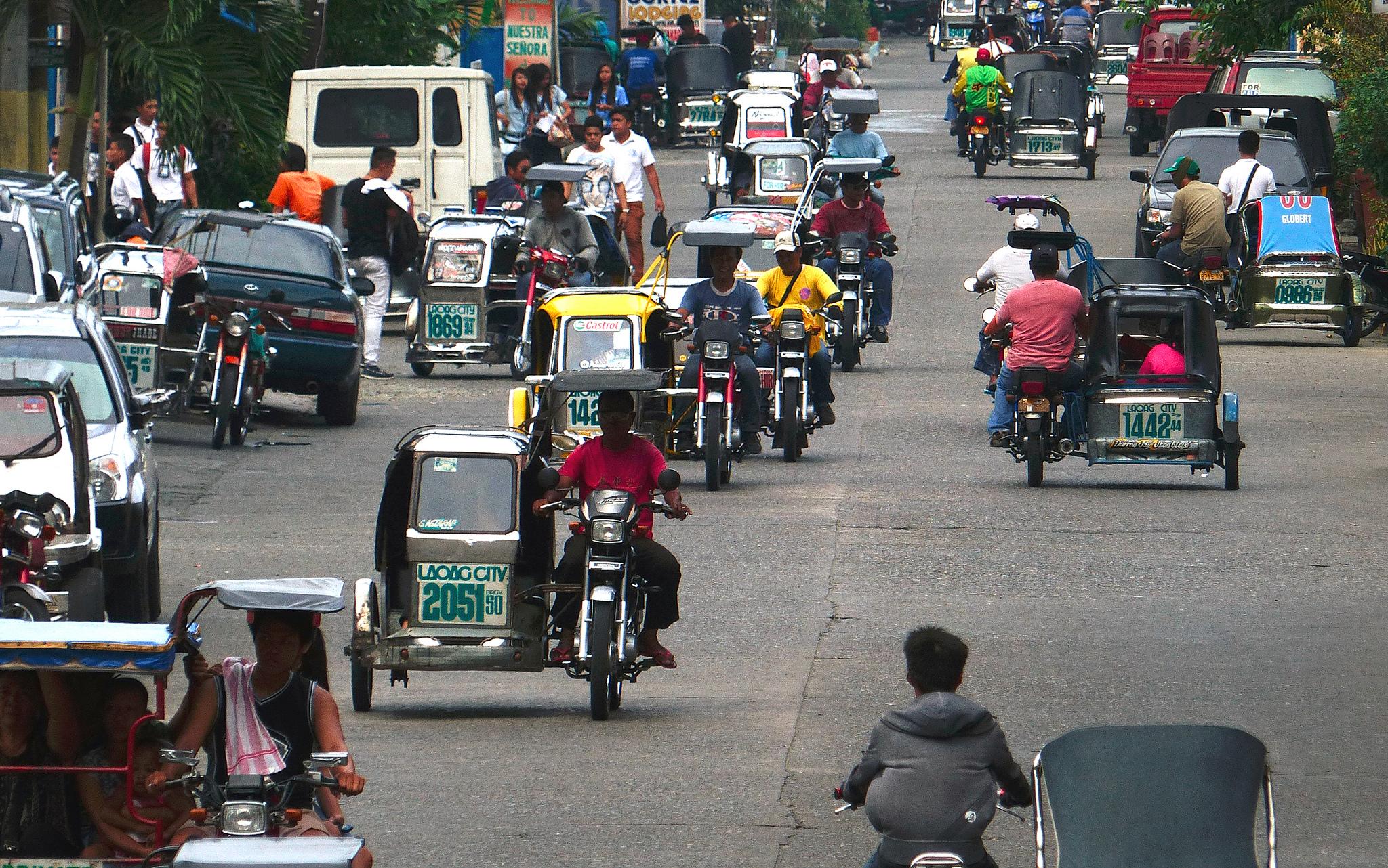 菲律賓成亞洲之虎背後的幽暗陰影,2 千萬人淪保鮮期 6 個月的免洗勞工