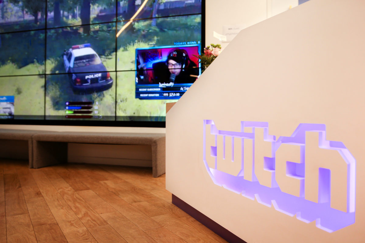 GIF 圖入侵遊戲實況,Twitch 聯手 Giphy 推新互動玩法
