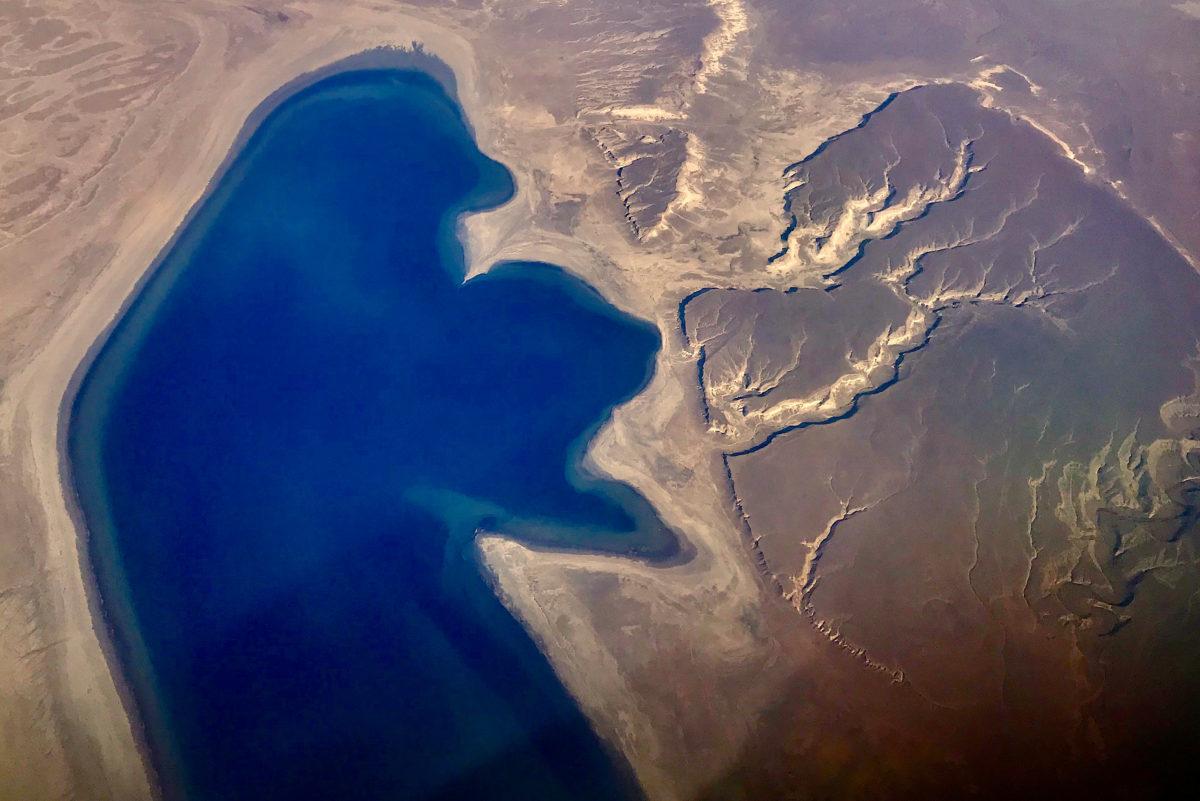 裏海是「湖」還是「海」?
