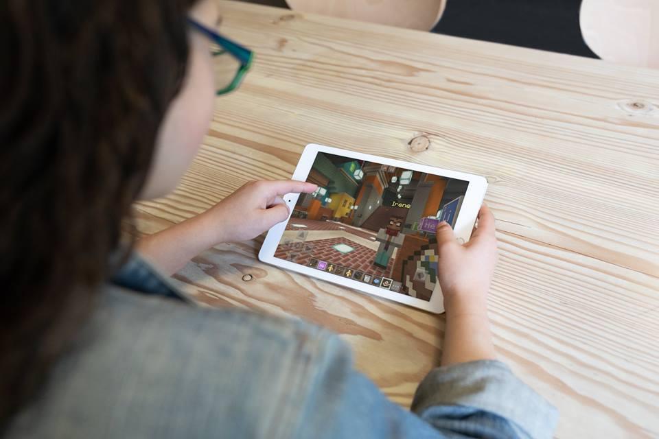 Minecraft 教育版躍上 iPad,功能開放給全體玩家
