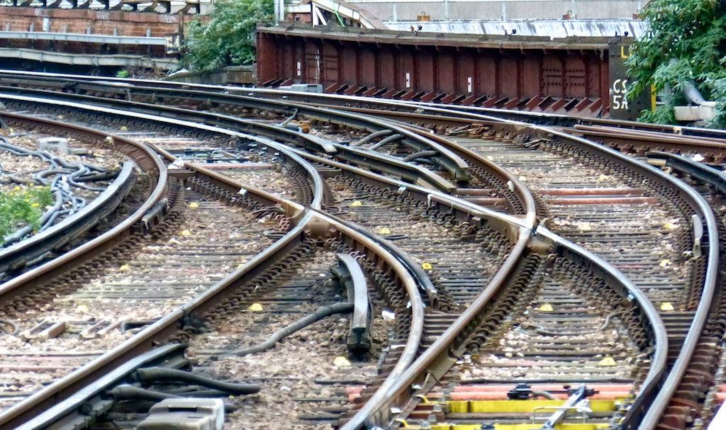 英商綠能狂想,盼在全球鐵路枕木裝設 1GW 太陽能板