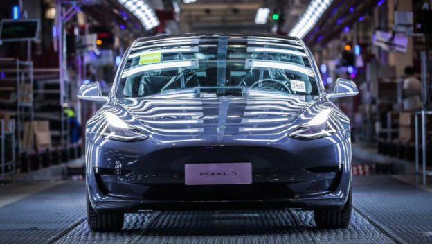 2021 電車襲來》領頭羊特斯拉掀起汽車產業革命,哪些台廠已開始吃電動車大餅